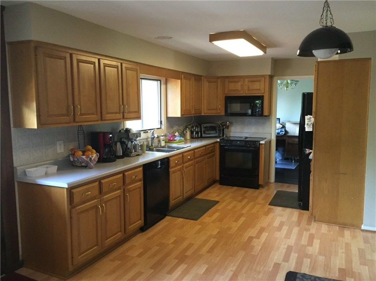 4704 81st Place Indianapolis In 46268 For Sale